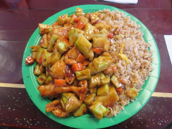 Dingmans Ferry, Pensylwania: Chicken with Vegetables over Fried Rice