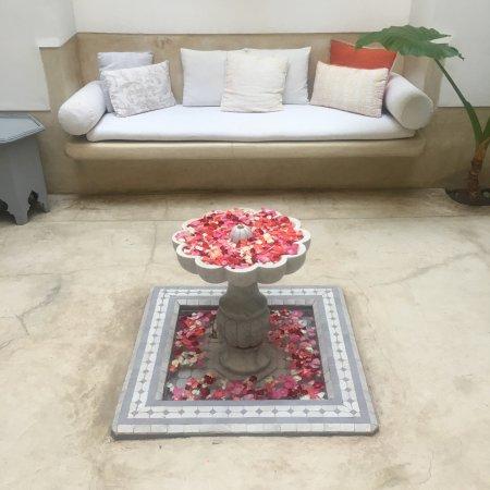 Riad Tawargit: patio