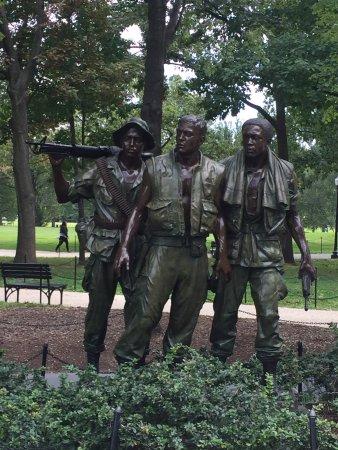 Vietnam Veterans Memorial: ...