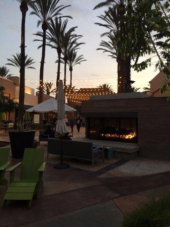 Cerritos, CA: 溫馨感覺的環境