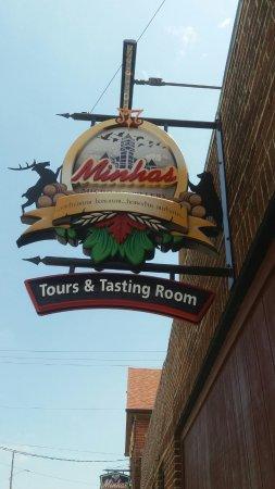 Monroe, WI: Entrance signage