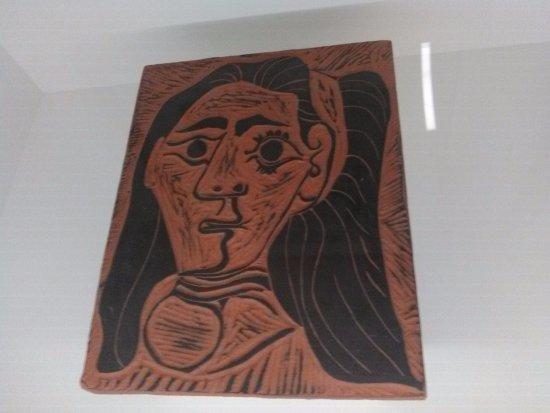 Buitrago de Lozoya, Hiszpania: Jacqueline-Mujer de cabellos flojos. placa de Arcilla de Vallauris