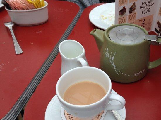 Camberley, UK: Pot of loose leaf tea :-))