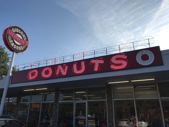 Gibson's Donuts: photo0.jpg