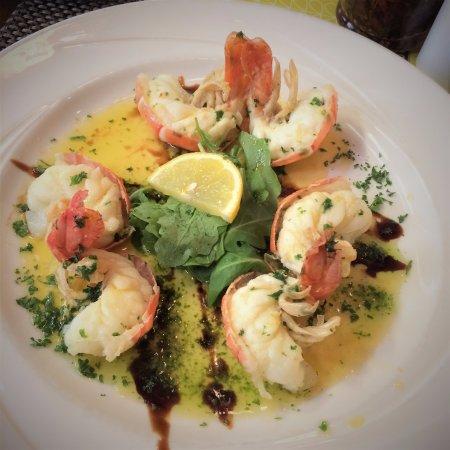 Pomodoro E Basilico: King Prawn starter, delicious!