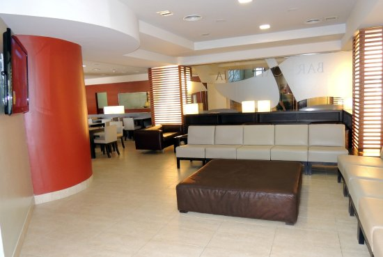Hotel Cesar Augustus: Salón de TV