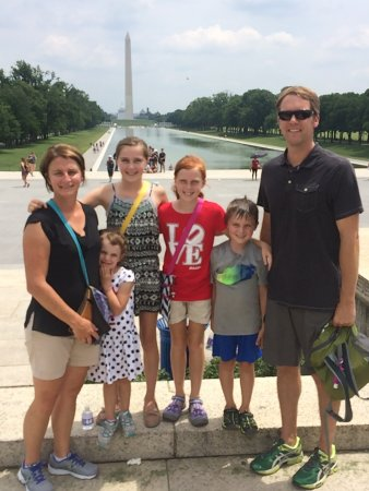 DC Insider Tours : Walking and chauffeured tours are perfect for family-friendly fun! All ages welcome!