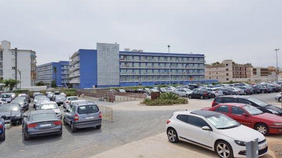 Hotel Cesar Augustus: Parquing Augustus, vigilado las 24 h. con una capacidad para 450 plazas (pago extra)