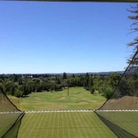 Healdsburg, Califórnia: View from driving range