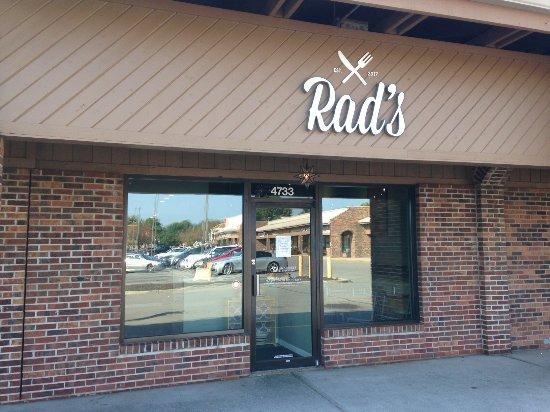 Carmel, IN: Rad's Exterior