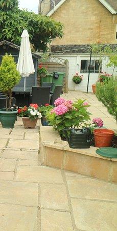 Villa Claudia: giardino posteriore