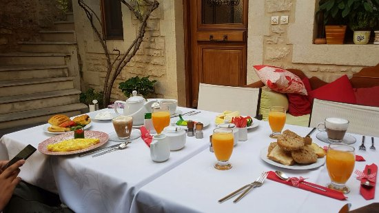Casa Moazzo Suites & Apartments : Breakfast at the hotel