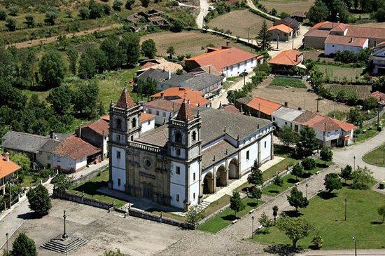Basílica Menor do Santo Cristo de Outeiro.