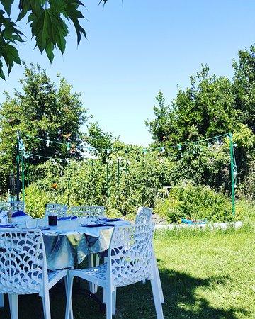 Haux, Frankreich: Super Brunch les dimanches d'été, dans le jardin !