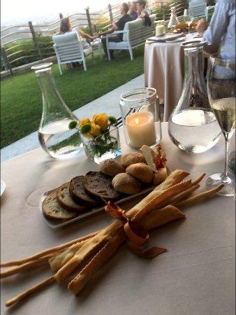 Roddi, Italien: L'accoglienza a tavola