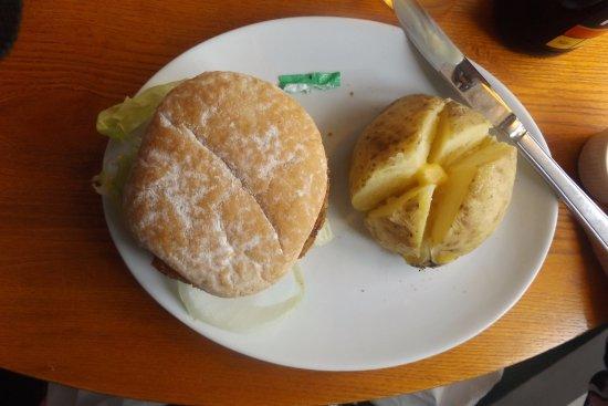 Great Missenden, UK: The tasteless vegie burger
