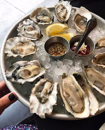 Oysters picture of farmer the fish gramercy new york for Gramercy farmer and the fish