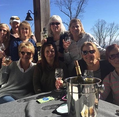 Jasper, GA: Gather your friends for a picnic at Fainting Goat Vineyards.