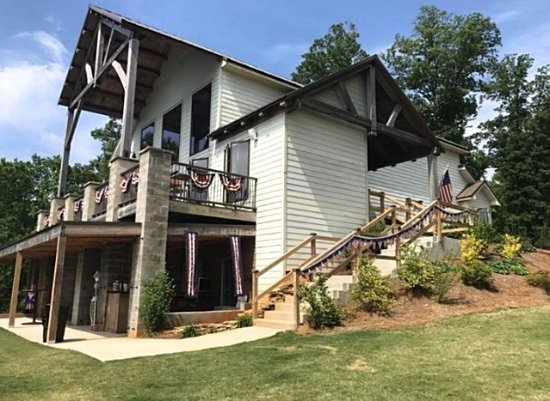Jasper, GA: See the spectacular tasting room at Fainting Goat Vineyards.