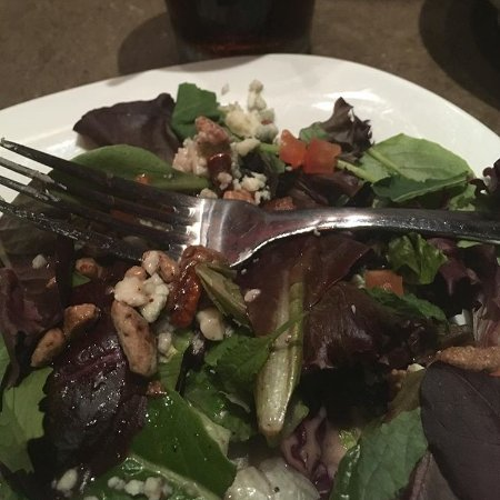 Maple Shade, Nueva Jersey: Fresh, gourmet salads with local produce and homemade dressings.