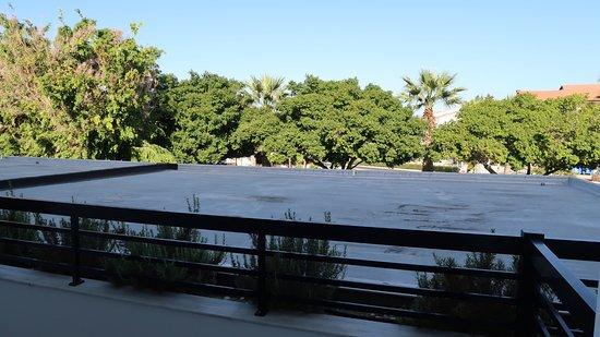 Avanti Hotel: view from balcony