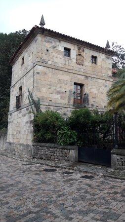 Casona de los Miera, en Selaya