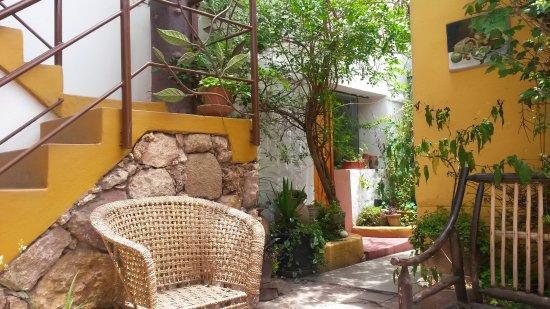 Casa de Mama Cusco 2-The Ecohouse: Un patio ideal..