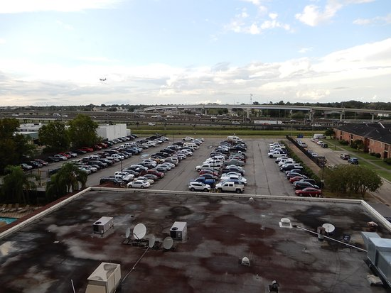 Kenner, LA: Good view of parking lot and Interstate 10.