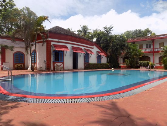Anjuna Beach Resort: Swimming pool