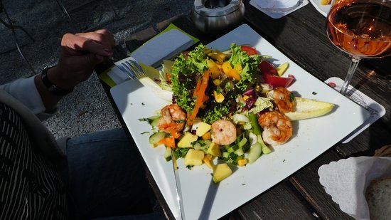 Holzappel, Германия: Maaltijd salade met garnalen