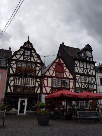 Rhens, markt