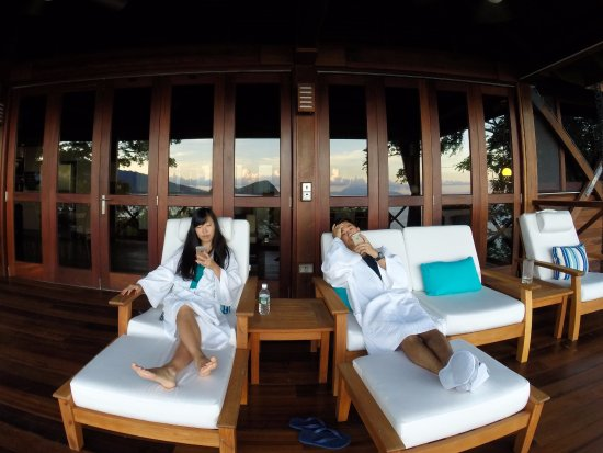 Secret Bay : Chillin on the balcony