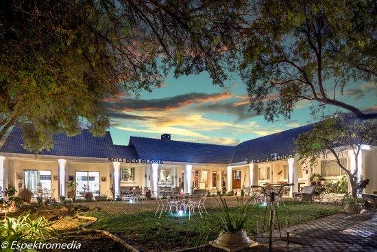 De Aar, جنوب أفريقيا: Front view of Lodge