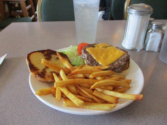 Cheney, WA: Bene's cheese burger