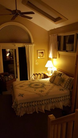 West Stockbridge, MA: Rockwell Suite