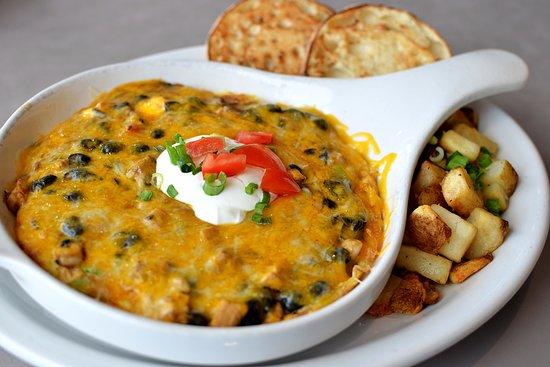Downers Grove, إلينوي: Chicken Chili Frittata