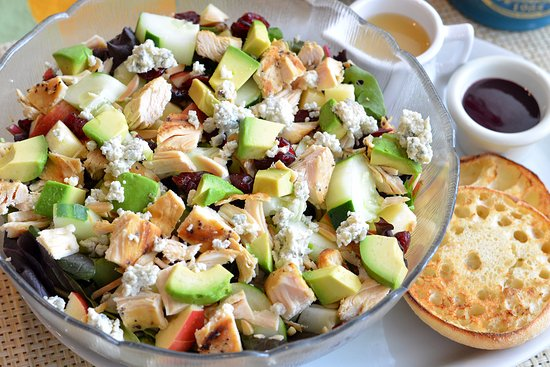 Downers Grove, إلينوي: Harvest Salad