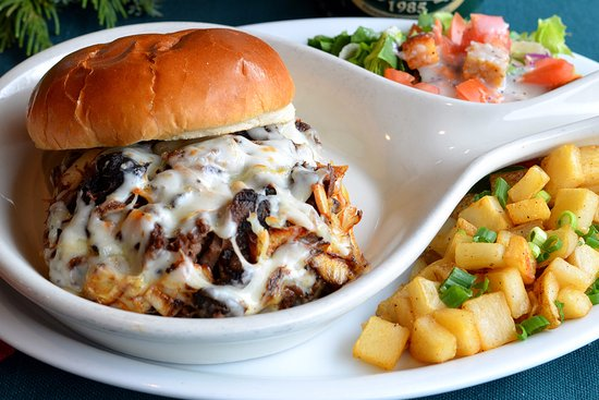 Downers Grove, إلينوي: Pot Roast Sandwich