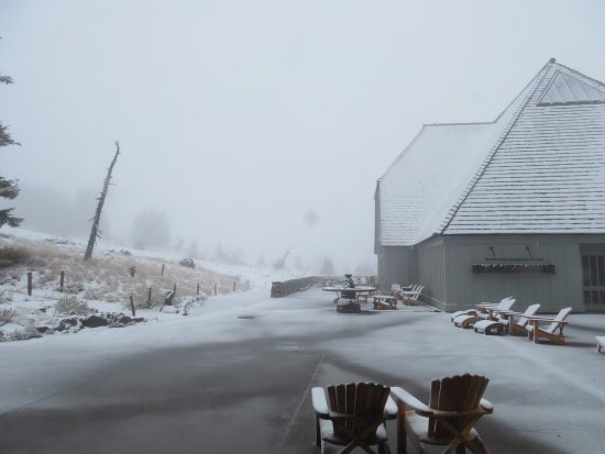 Timberline Lodge, OR: Early snowfall in Sept 2017