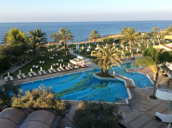 Constantinou Bros Athena Royal Beach Hotel: View from our balcony