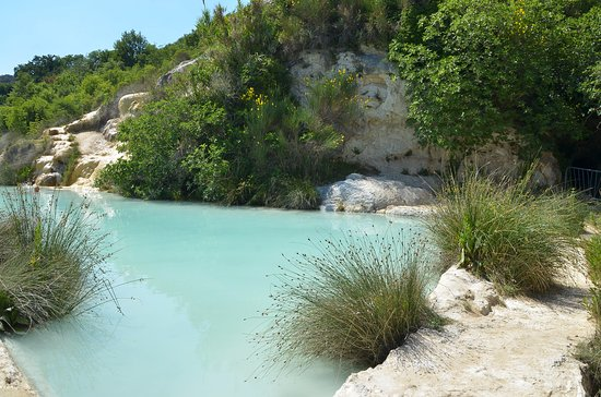 Hot springs below the town - Picture of Terme Bagno Vignoni, Bagno ...