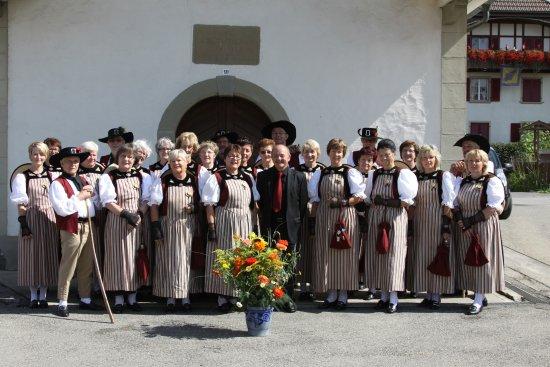 Hünibach, Schweiz: Herzlichen Dank, Trachtengruppe Gurmels