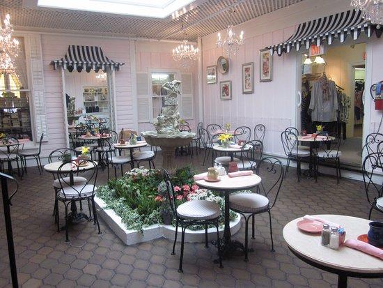เจนีวา, อิลลินอยส์: Atrium Cafe
