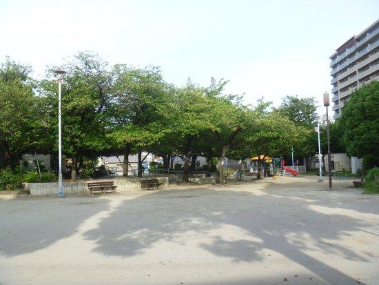 Zengenji Kusunoki Park