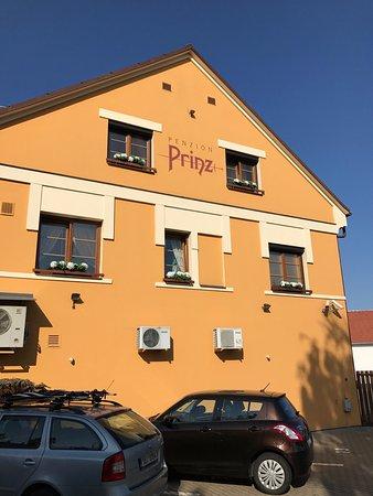 Valtice, Tjeckien: Exterior of penzion