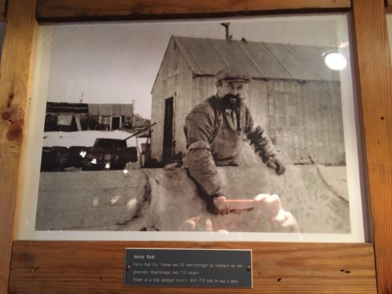 Kroa: one of the historic photos on the wall