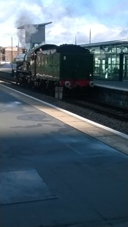 The Shakespeare Express: arrival in the station