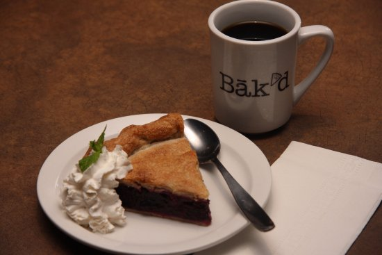 Wainwright, Καναδάς: Try a hand made slice of pie from our sister company Bak'd
