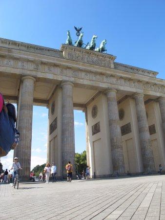 Photo of Brandenburg Gate (Brandenburger Tor) in Berlin, , DE