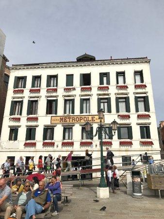 Metropole Hotel Picture